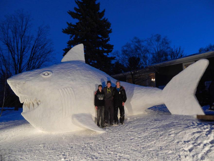 giant-snow-sculptures-bartz-brothers-5